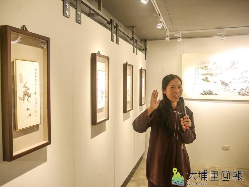 為了感念暨大老師耐心教導畏懼數學的女兒,王六石創作了「加減乘除」畫作。(圖/紙教堂提供)