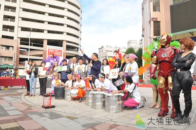 埔里鎮公所將於16日舉辦森巴踩街活動,鎮長周義雄認為,魅力森巴FUN埔里已是代表埔里的慶典盛事。(柏原祥 攝)