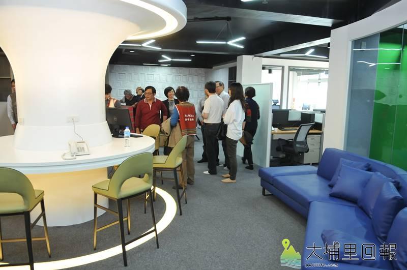 原住民新聞台中部新聞中心設置在埔里,內部設施新穎。(柏原祥 攝)