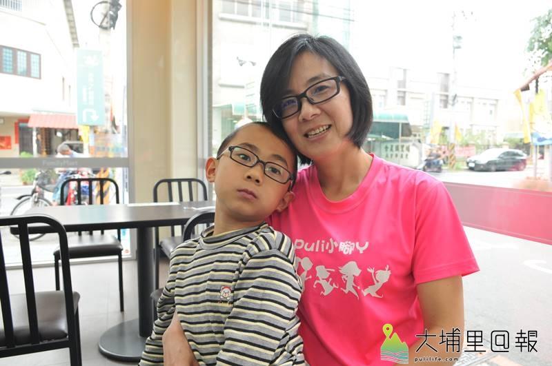 「油雞媽媽」曾素惠為了孩子,要讓自己更健康,投入馬拉松長跑,已完成25場全馬。(柏原祥 攝)