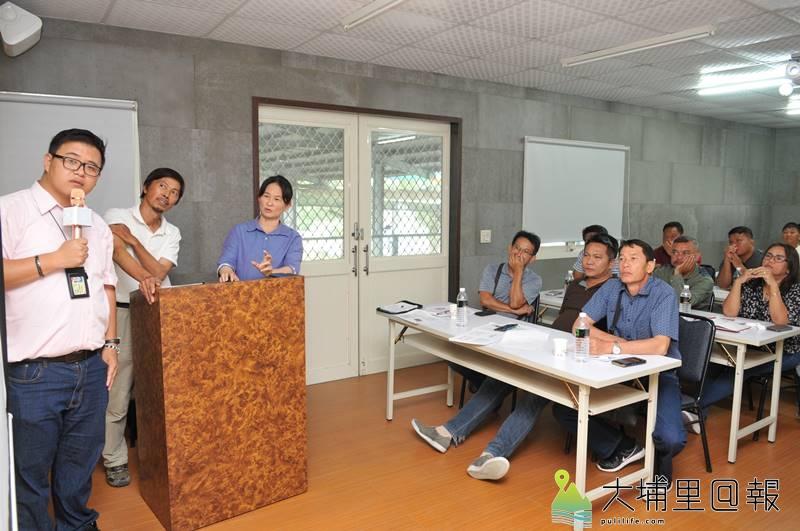 來自泰國的Melon King農業社團至埔里取經,向川遠農經公司學習木瓜、百香果的種植技術。(柏原祥 攝)