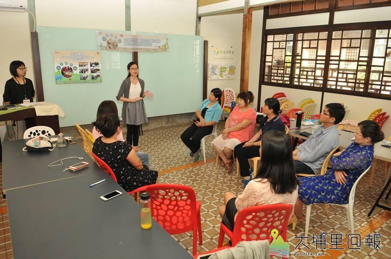 稀少語旅遊輔助人才培訓,在暨大R立方學堂舉行結訓典禮,學員分享訓練心得。(柏原祥 攝)