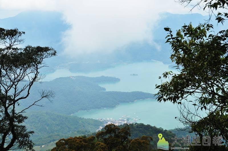 水社大山高點可以遠眺日月潭,是日月潭周邊熱門的登山路線。(柏原祥 攝)