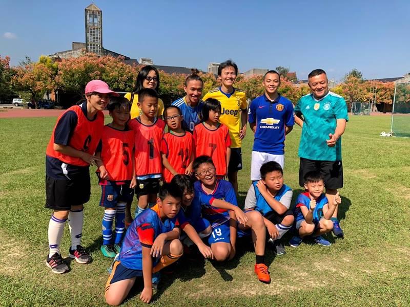 埔里有許多熱情的教練與家長,為在地的足球運動貢獻心力。