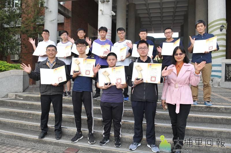 埔里高工師生參與全國工業類技藝競賽,共榮獲3座金手獎、6名優勝。(柏原祥 攝)