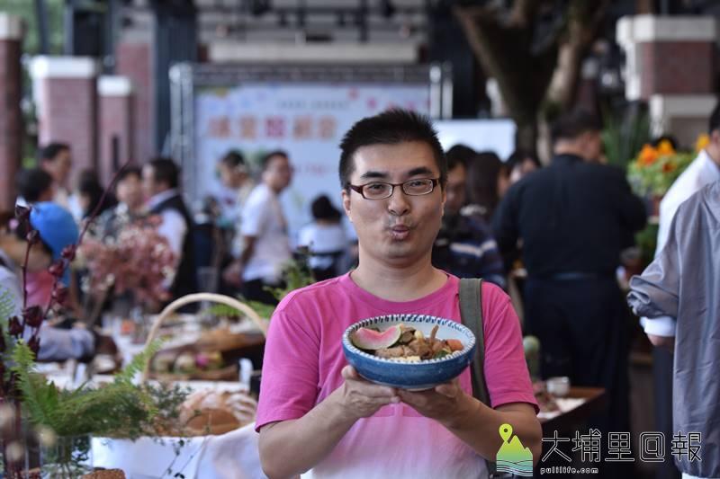 埔里山城健康蔬食生活節參與對象涵蓋特色小店,「貓居蔬食」也來展示其特色料理。(柏原祥/攝影)